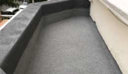 Non-slip balcony surface
