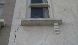 front-elevation-cracking-before-lintel-repair