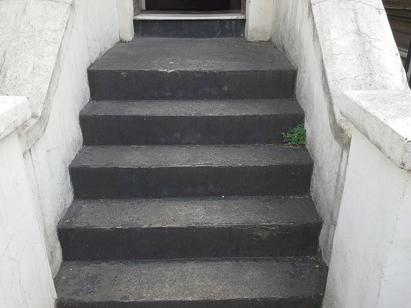 Decorative Waterproof Coating And Concrete Repair To Steps